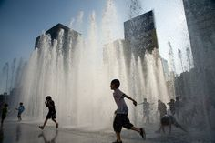 The new water fountain and park at Gwanghwamun Gate plaza separates Gyeongbok Palace from one of the busiest areas of Seoul.    More information on Gwanghwamun     Love this!!  Love to have this.  Wow!!!  Looks Cool!!!  Wish I had a place for this!!!  Beautiful!!!!