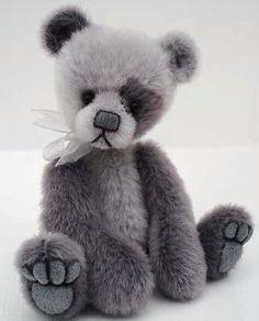 Miniature artist bears by Baggaley bears