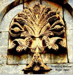Sacred Geometry Tattoo, Blue Green Eyes, Fibonacci Spiral, Turkish Art, Semitic Languages, Islamic Architecture, Sea Monsters, Flower Mandala, Flower Of Life