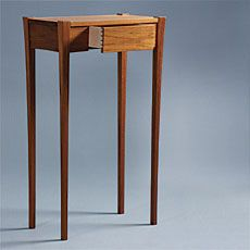 Preview - Hall Table with Flair - Fine Woodworking Article