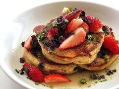 """横浜 春色パンケーキ!海外で話題の""""マイクログリーン""""をトッピング Pancakes, Dressing, Breakfast, Food, Morning Coffee, Essen, Pancake, Meals, Yemek"""