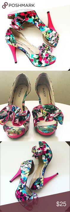 ✅Pink floral ruffle pump heels Pink colorful floral pumps | size 7 | slight barely there  wear on heels | super cute and fun for spring Shoes Heels