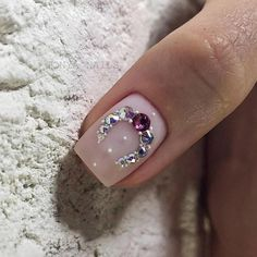 Make an original manicure for Valentine's Day - My Nails Fabulous Nails, Gorgeous Nails, Love Nails, Pretty Nails, Rhinestone Nails, Bling Nails, Swag Nails, Diamond Nail Art, Nail Jewels