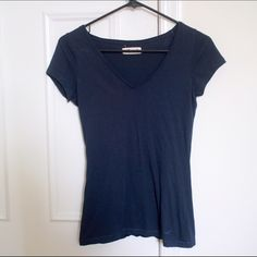 Navy Vneck Top Hollister navy vneck top. Size xs. Worn three times. Hollister Tops Tees - Short Sleeve