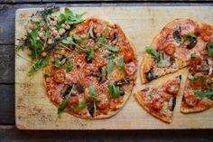 Vegetarpizza med sopp og ruccola