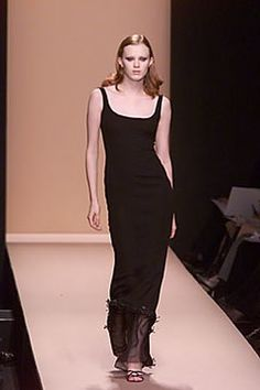 Carolina Herrera Fall 2000 Ready-to-Wear Fashion Show - Carolina Herrera, Karen Elson