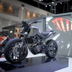 Custom KTM DUKES – KTM THAILAND AT MotoExpo 2014 « Design « DERESTRICTED
