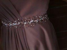 Gaun Dress, Dress Brokat, Kebaya Dress, Hijab Dress Party, Hijab Wedding Dresses, Designs For Dresses, Dress Neck Designs, Model Kebaya Modern, Diy Lace Ribbon Flowers