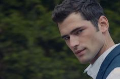 Who's the Hot, Cape-Wearing Guy in Taylor Swift's 'Blank Space' Music Video? Sean O'Pry ;)