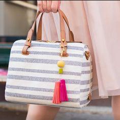 Tee tupsu käsilaukun koristeeksi helmistä ja Fimo leather-massasta. Fimo Modelling, Diy Clay, How To Make Beads, Homemade Gifts, Bag Making, Tassels, Shoulder Bag, Mors Dag, Handbags