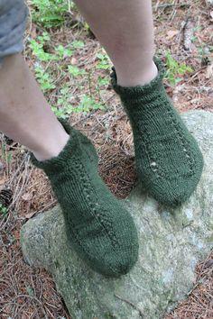 Vihreät sukat reikäkuviolla2