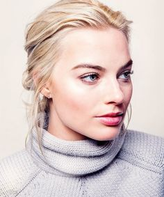 Your source for everything dedicated to the beautiful and talented Aussie actress Margot Robbie. Margot Robbie Pictures, Margot Elise Robbie, Margo Robbie, Actress Margot Robbie, Divas, Richard Curtis, Beauté Blonde, Danielle Panabaker, Bold And The Beautiful