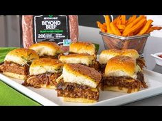 Beyond Beef Garlic Sliders - Beyond Meat - The Future of Protein™ Vegan Vegetarian, Vegetarian Recipes, Cooking Recipes, Beyond Beef Recipes, Hamburger Recipes, Beef Sliders, Veggie Recipes, Veggie Food, Vegan Dinners