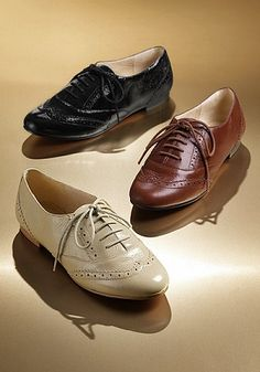 everyone in Italy was wearing oxfords with black skinny jeans. i want the  brown ones