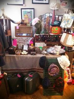 ALLEY OOP VINTAGE! Vintage sunglasses, Zenith radio, Rotational Safety, hats, longhorns, bowling bags, purses, buttons, jewelry, planters and MORE!