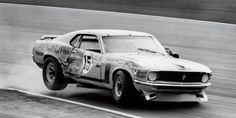 Old Moonshine-runnin habits die hard: Ford Mustang BOSS 302 Trans-Am number 15 driven by Parnelli Jones, after serious impact Road Race Car, Road Racing, Race Cars, 1970 Ford Mustang, Mustang Boss, Ford Mustangs, Parnelli Jones, Alfa Romeo Gta, Vintage Mustang