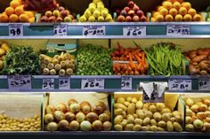 Fresh fruit and vegetables market. Photo of fresh organic fruit and vegetables o , Grocery Savings Tips, Organic Fruits And Vegetables, Healthy Recipes For Weight Loss, Learn To Cook, Farmers Market, Cooking Tips, Food Tips, Saving Money, Meal Planning