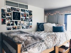 10 Dorm Ideas That You& Going To Love is part of Girls dorm room Dorm ideas are important since your dorm will be your home away from home Check out these dorms ideas to give yourself some inspir - Room Ideas Bedroom, Bedroom Decor, Bedroom Wall, Wall Decor, Bedroom Inspo, Wall Art, Dorm Room Designs, Cute Dorm Rooms, Girl Dorm Rooms