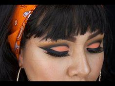 Con este tutorial aprenderás a hacer un maquillaje de ojos dramático en naranja y negro, y haremos unos labios muy claros color piel. Te mostraré cómo hacerl...