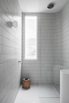 A Minimalist Family Home in Northcote That Celebrates Natural Light – Barnaby Lane US Minimalist Bathroom Furniture, Modern Bathroom, Master Bathroom, Minimalist Small Bathrooms, Minimalist Showers, Bathroom Tiling, Shower Tiles, Shower Bathroom, Chic Bathrooms
