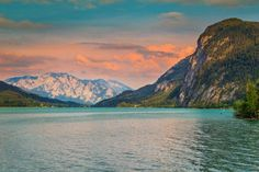 Famous alpine place with spectacular Mondsee lake and magical sunset in Upper Austria, Salzkammergut region, Europe Seen, Travel Maps, Austria, Places To Go, Road Trip, Around The Worlds, Europe, Mountains, Sunset