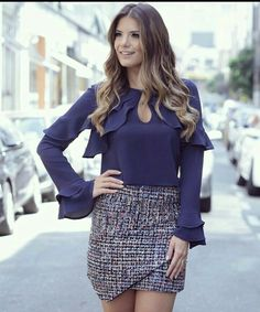 trend alert looks Blouse Styles, Blouse Designs, Mode Simple, Office Outfits, Skirt Outfits, Fashion Outfits, Womens Fashion, Dress Patterns, Casual Looks