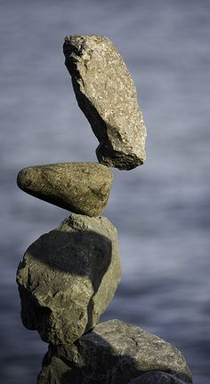 Stacking rocks in Sausalito. I saw the guy who was doing this! It was amazing!
