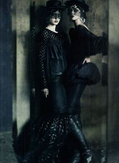 Just a couple of stylin' Goth Girlz hanging out in the alley behind Gothique...(From Retro Vintage Glamour)