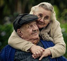 Caroline Martins y Giovani Cerutti son dos fotógrafos brasileños que hablan del amor en la tercera edad.