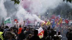 By Angela Charlton and Raphael Satter, Associated Press, May 26, 2016 (original title of article: 'Clashes, oil blockades over France's economic future')    PARIS - Volley after volley of tear gas poisoned the Paris air Thursday, as authorities