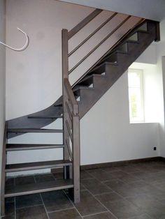 Gamme création : Escalier avec crémaillères décalées des marches de 10mm teinte grisée