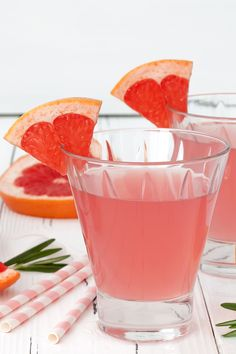 Prosecco comes a close second to gin when it comes to our favourite tipple, so we are over the moon to combine the two with these sparkling stunning cocktails Gin And Prosecco Cocktail, Pink Gin Cocktails, Gin Cocktail Recipes, Easy Cocktails, Cocktail Drinks, Gin Recipes, Curry Recipes, Pink Gin Recipe, Best Gin
