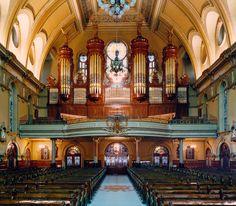 Casavant Frères pipe organ, Eglise St-Jean-Baptiste, Montréal, Québec (Canada) - gallery organ installed in 1915