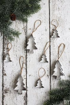 Homemade Christmas Ornaments. Quick and Easy Cookie Cutter Ornaments tutorial. Such a unique Christmas craft idea.  thediydreamer.com