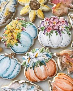 No photo description available. Thanksgiving Cookies, Fall Cookies, Spice Cookies, Christmas Cookies, Sugar Cookie Cakes, Cookie Frosting, Royal Icing Cookies, Biscuits, White Chocolate Cookies