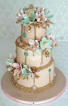Gorgeous Design & Color Palette Featured On This Stunning Wedding Cake By Fées . - c a k e - Cake Design Beautiful Wedding Cakes, Gorgeous Cakes, Pretty Cakes, Cute Cakes, Amazing Cakes, Amazing Birthday Cakes, Unique Cakes, Elegant Cakes, Wedding Cake Designs