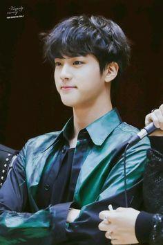 such a cutie Seokjin, Kim Namjoon, Kim Taehyung, Jimin, Suga Rap, Jung So Min, Jung Hoseok, K Pop, Bts Facts