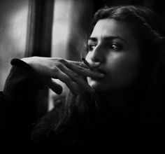 http://www.deviantart.com/download/167356614/smoking_and_sad_girl_by_hidlight.jpg
