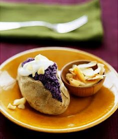 Healthy Lifestyles: Weird, wacky and unusual fruits and vegetables Japanese Purple Sweet Potato, Japanese Potato, Asian Vegetables, Fruits And Vegetables, Okinawan Sweet Potato, Tasty, Yummy Food, Delicious Recipes, Exotic Fruit
