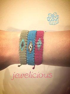 Loom Bracelet Patterns, Bead Loom Bracelets, Macrame Patterns, Macrame Bracelets, Macrame Art, Macrame Jewelry, Diy Jewelry, Diy Fashion Projects, Friendship Bracelets Designs