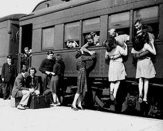 Nu am vazut mai multe saruturi sincere nicaieri cum am vazut in gara...