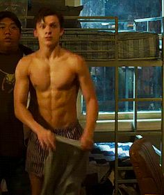 "Tom Holland in ""Spider-man: Homecoming"" tumblr_opnidcojOZ1ub4v5io1_400.gif (268×320)"