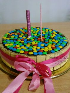 Torta rocklets #rocklets Sprinkles, Birthday Cake, Candy, Desserts, Food, Two Pieces, Meet, Food Cakes, Recipes