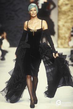 "allaboutchanel7: "" Linda Evangelista @ Chanel Couture   Fall/Winter 1992 """