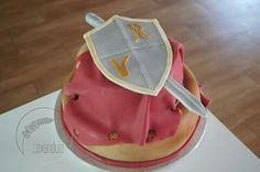 Sword and shield cake, rytířský dort
