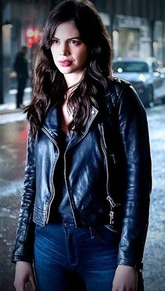 Titans Tv Series, Conor Leslie, Cassie Sandsmark, Dc World, Doom Patrol, Female Hero, Netflix, Dc Characters, Comics Universe