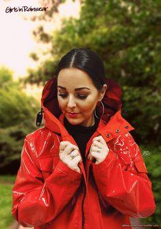 Raincoats For Women Closet Refferal: 9256550925 Red Raincoat, Vinyl Raincoat, Plastic Raincoat, Raincoats For Women, Jackets For Women, Rainy Day Fashion, Rubber Raincoats, Hooded Cloak, Rain Wear