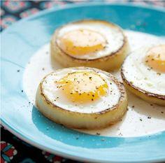 Fritar ovo é uma arte! O ovo perfeito, redondinho e com uma bela aparência precisa de dedicação. Para fazer é simples, fácil e rápido. Anote a receitinha!