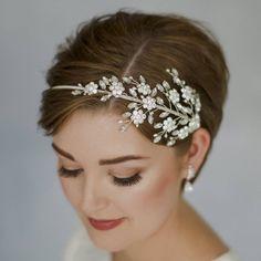 Celebrity Wedding Hair, Short Wedding Hair, Celebrity Weddings, Celebrity Bobs, Celebrity Costumes, Celebrity Makeup, Celebrity Pictures, Celebrity Style, Mariage