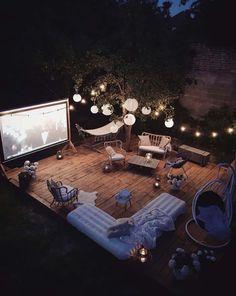 Backyard Movie Theaters, Backyard Movie Nights, Outdoor Cinema, Outdoor Theater, Design Jardin, Terrace Design, Garden Design, Backyard Patio Designs, Patio Ideas